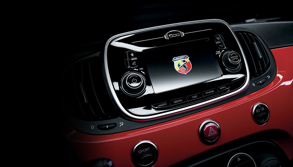 Fiat Abarth 595 interiors space
